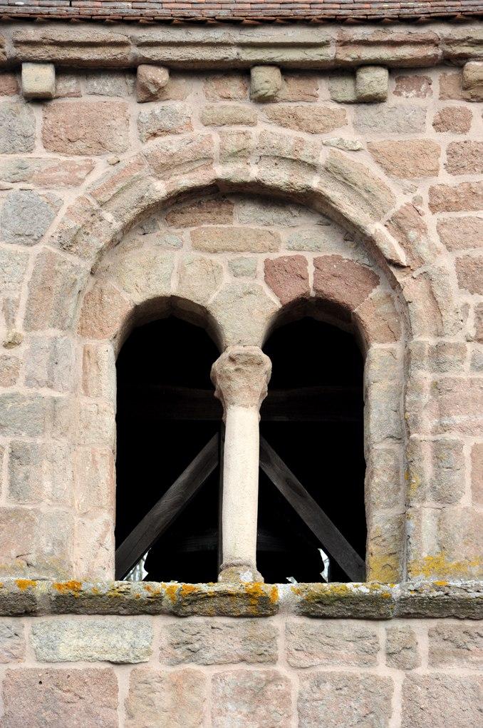 Sanvignes-les-Mines - Eglise Saint-Symphorien (XIIe siècle) - Baie géminée