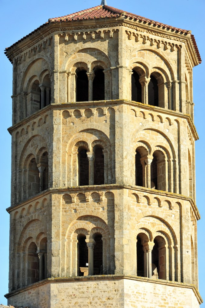 Anzy-le-Duc - Eglise priorale : le clocher