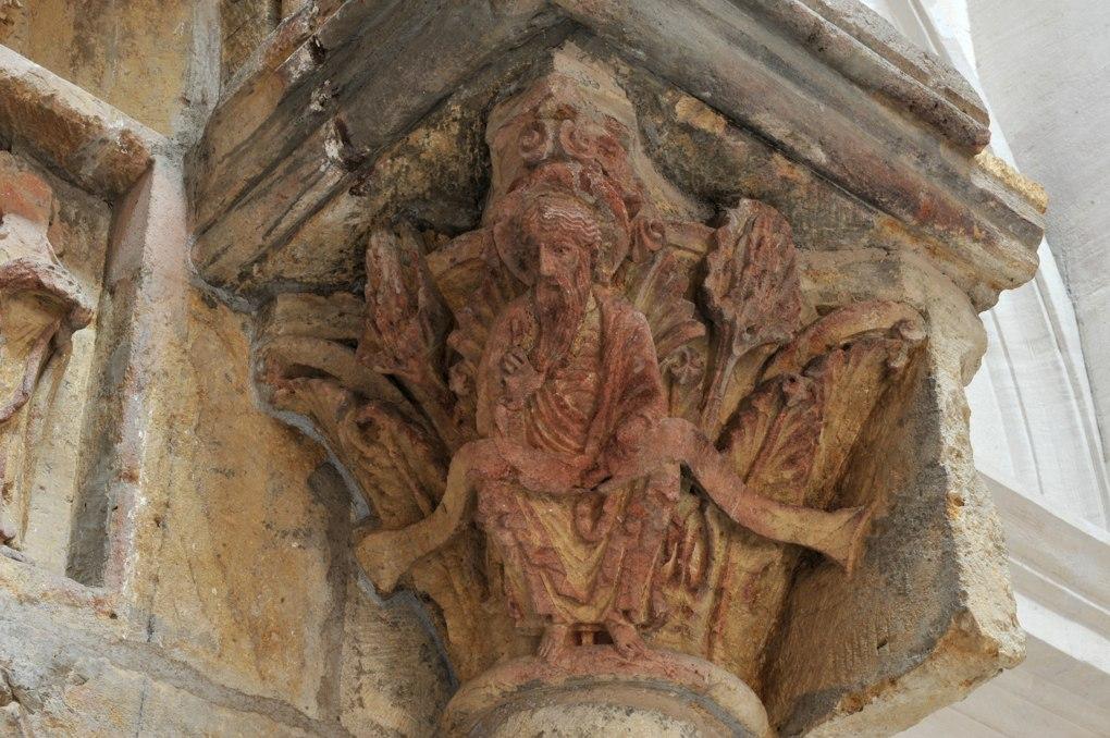 Paray-le-Monial (Musée du Hiéron) - Portail de l'ancien prieuré d'Anzy-le-Duc - Portail d'Arcy : chapiteau