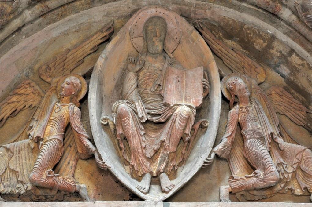 Paray-le-Monial (Musée du Hiéron) - Portail de l'ancien prieuré d'Anzy-le-Duc : tympan