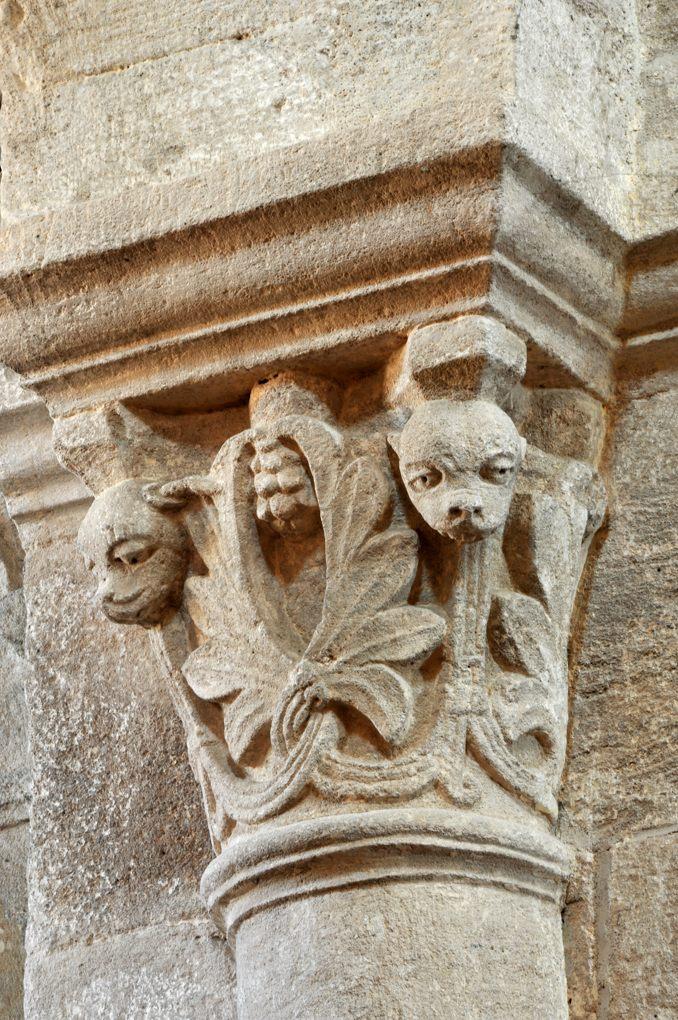 Bois-Sainte-Marie - Eglise de la Nativité - Chapiteau de la nef (v. 1130)