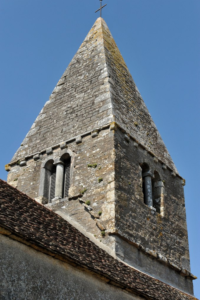 Cersot - Eglise de l'Assomption - Clocher (milieu du XIIe siècle)