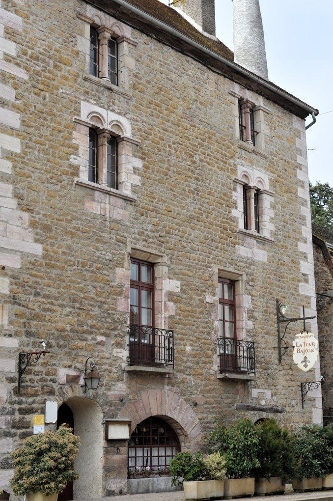 Couches - La tour Bajole (v. 1200)