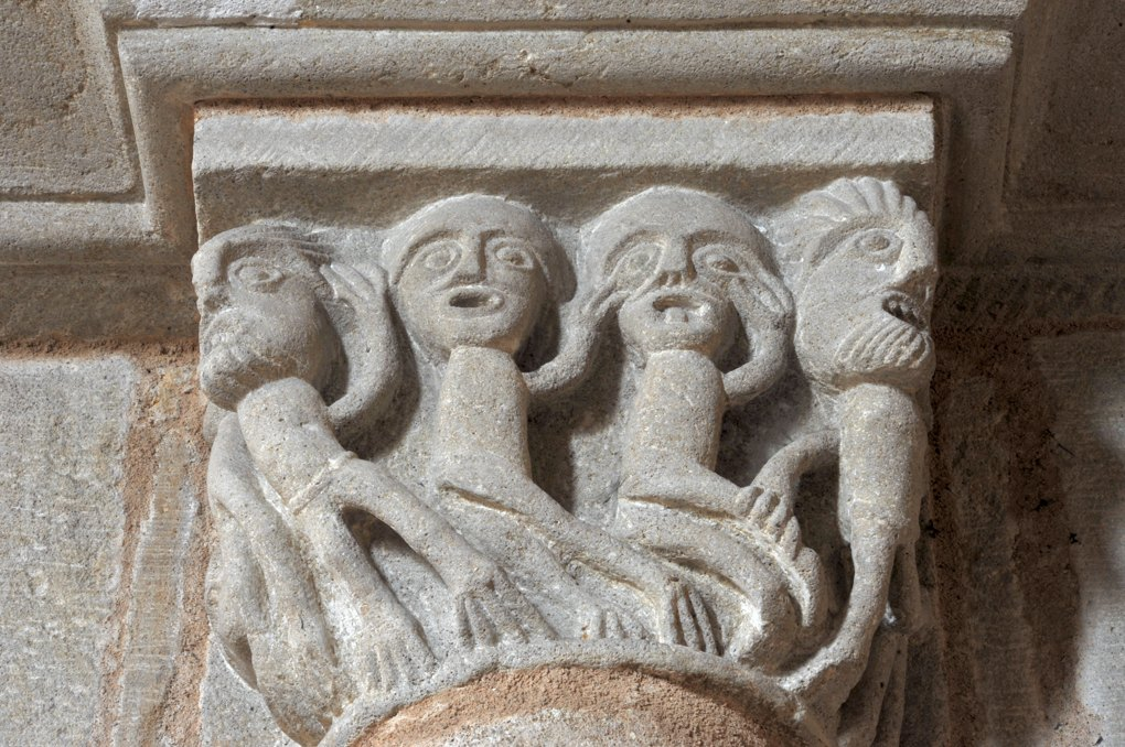 Curbigny - Eglise Saint-Pierre-aux-Liens - Chapiteau du choeur