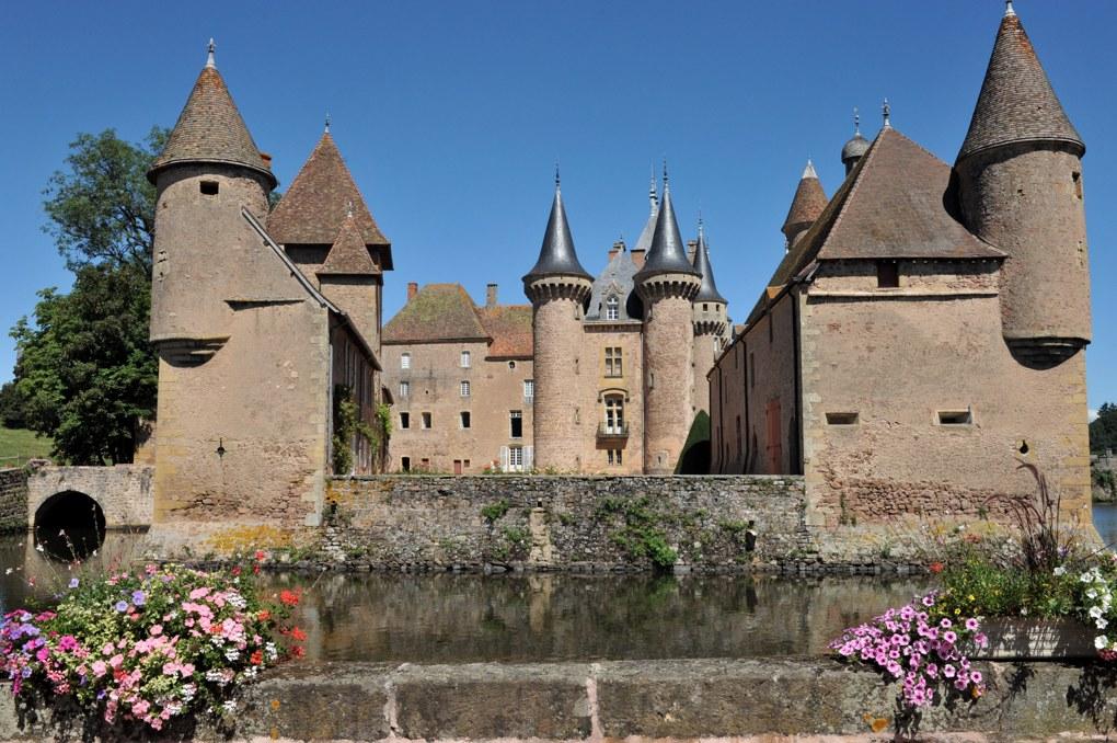 La Clayette - Le château (parties du XIVe siècle)