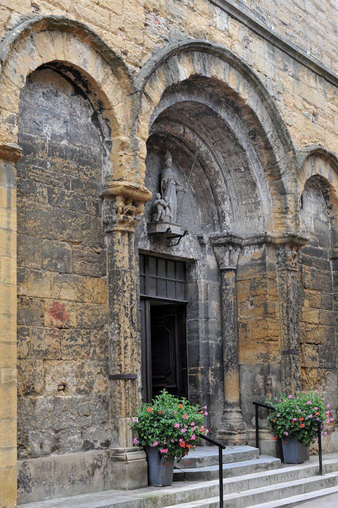 Marcigny - Eglise saint-Nicolas - Façade du XIIe siècle