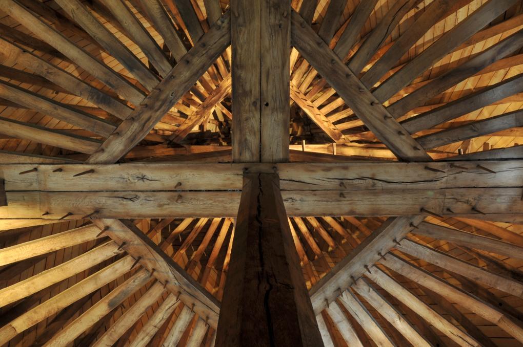 Marcigny - Charpente de la Tour du Moulin (XVIe siècle)