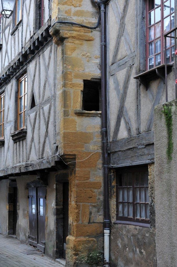 Marcigny - Maisons à colombages (XVIe siècle)