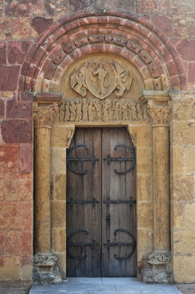 Montceaux-l'Etoile - Eglise Saint-Pierre-et-Saint-Paul - Le portail