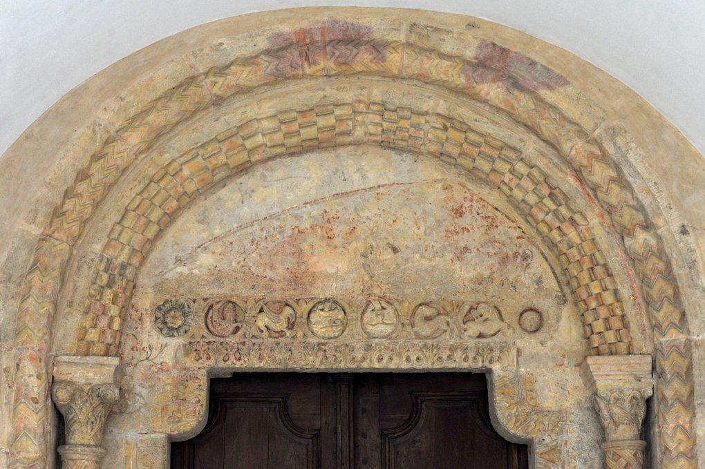 Paray-le-Monial - Ancienne priorale Notre-Dame - Tympan du portail sud