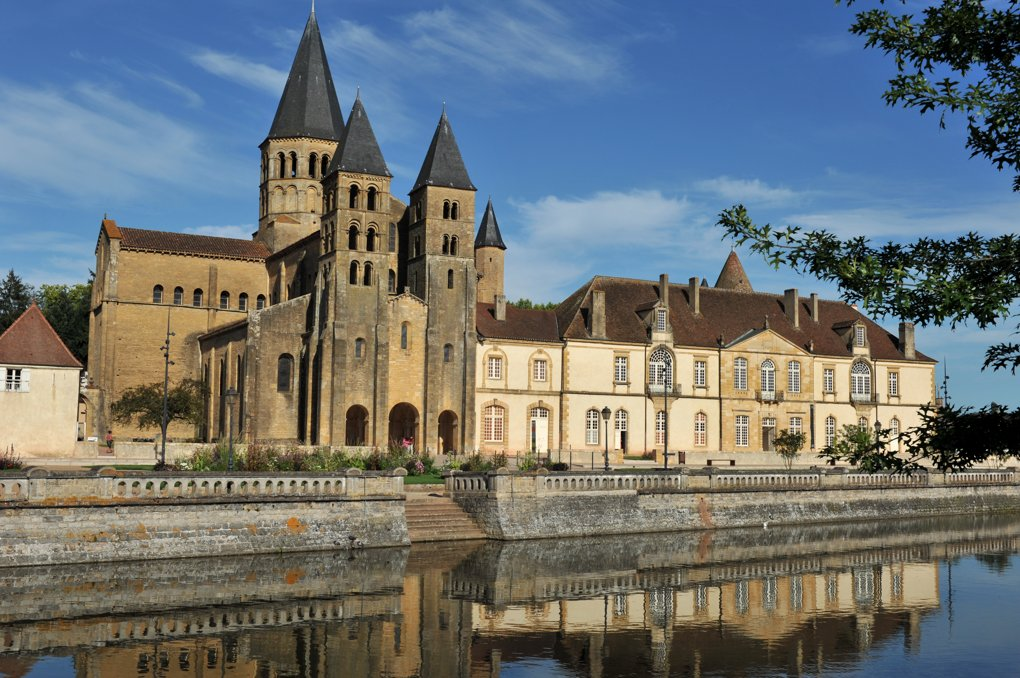 Paray-le-Monial - Ancienne priorale et bâtiments du prieuré