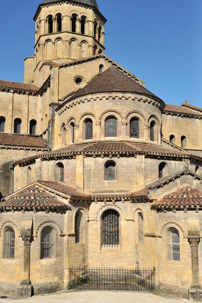 Paray-le-Monial - Ancienne priorale Notre-Dame - Le chevet (XIIe siècle)
