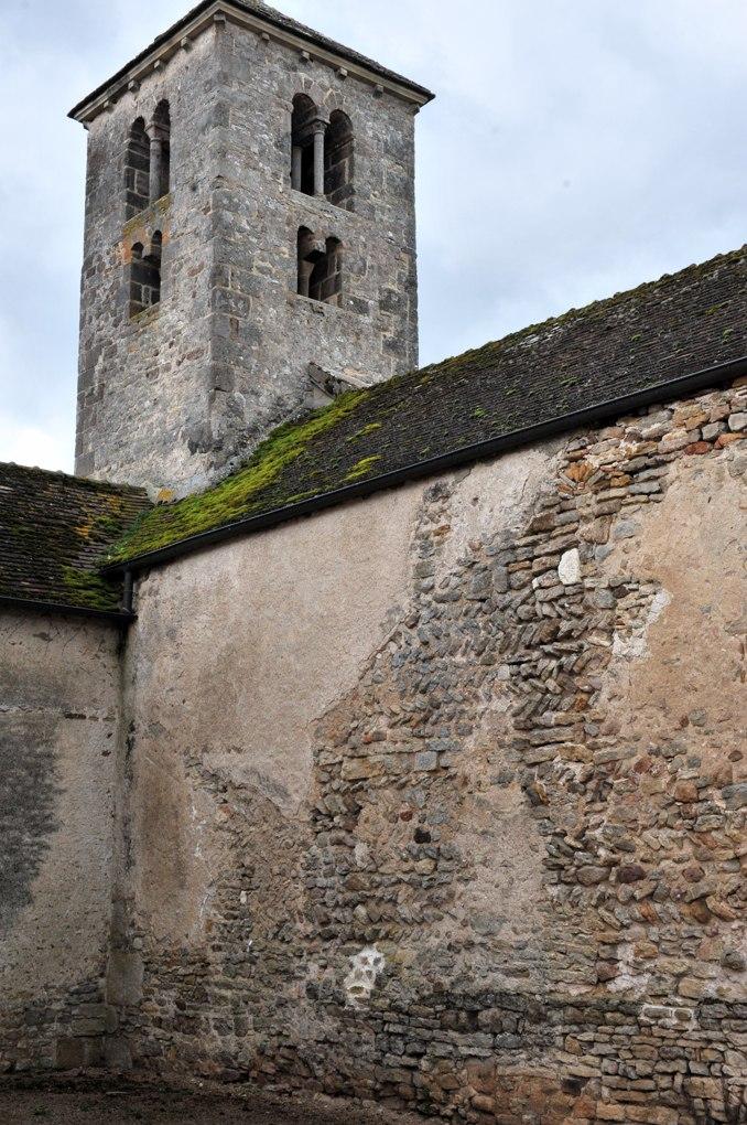 Saint-Huruge - Eglise Saint-Eusèbe - Opus spicatum dans le mur nord de la nef