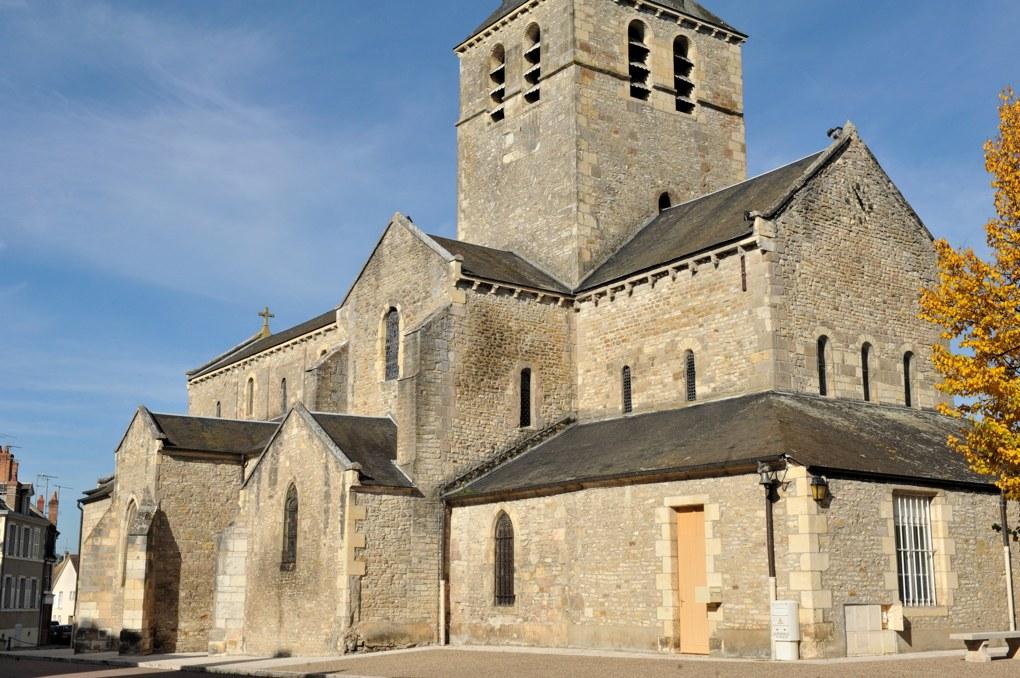 Saint-Pierre-le-Moûtier - Ancienne priorale Saint-Pierre (début du XIIe siècle)