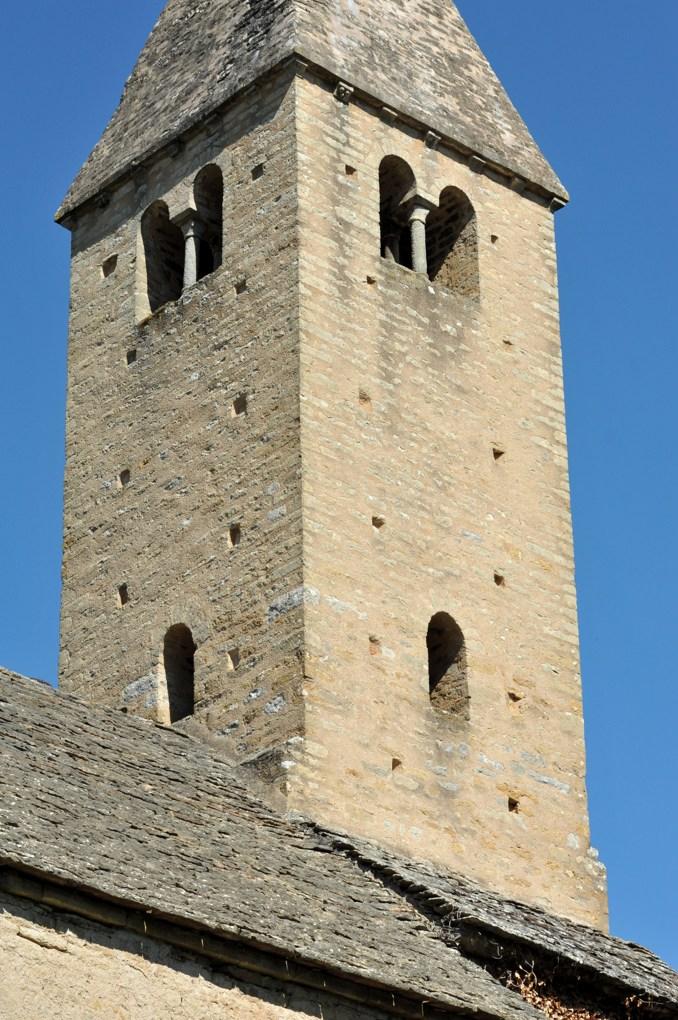Vaux-en-Pré - Eglise Saint-Roch (XIe-XIIe siècle) - Le clocher (XIIe siècle)