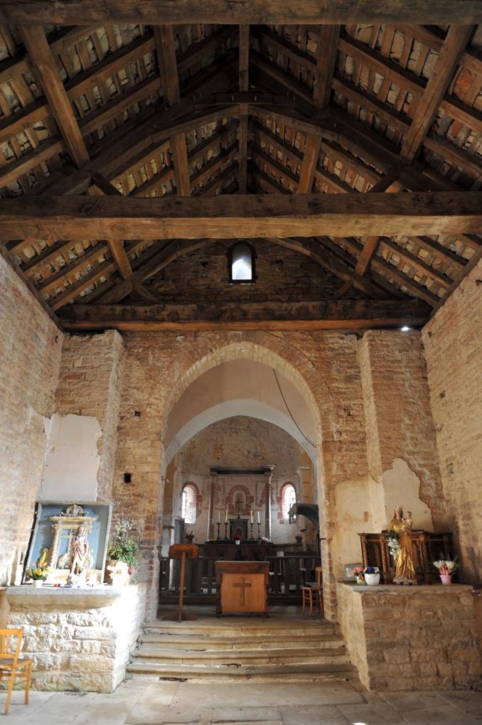 Vaux-en-Pré - Eglise Saint-Roch (XIe-XIIe siècle) -Nef et choeur