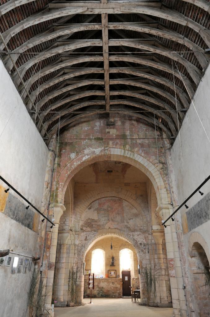 Béard - Eglise Saint-Laurent (XIIe siècle) - L'intérieur