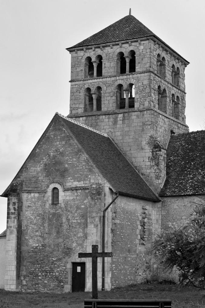 Béard - Eglise Saint-Laurent (XIIe siècle) - Clocher