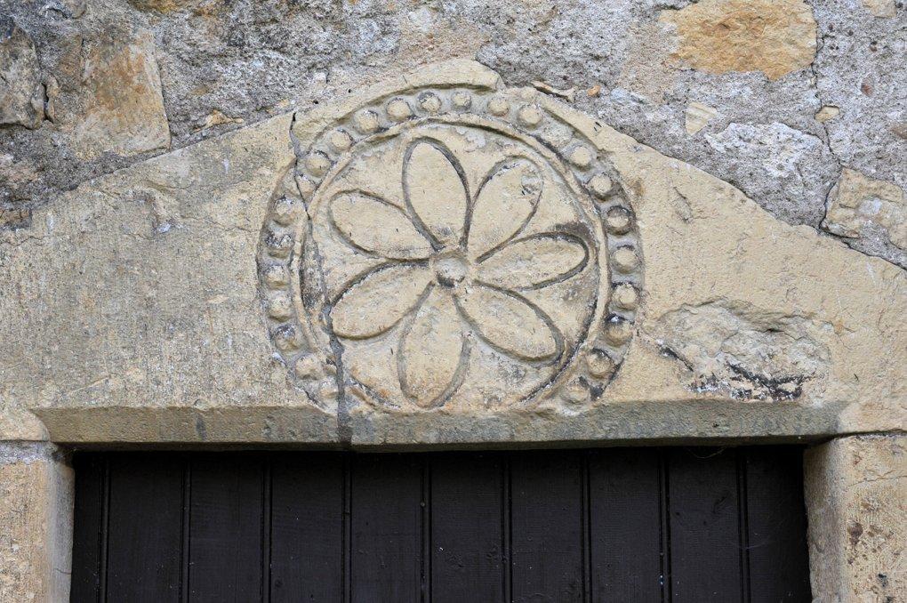 Béard - Eglise Saint-Laurent (XIIe siècle) - Linteau