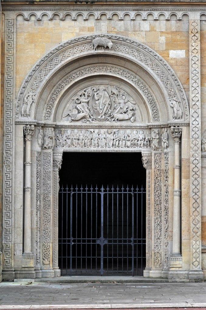 Charlieu - Grand portail nord du narthex (v. 1150)
