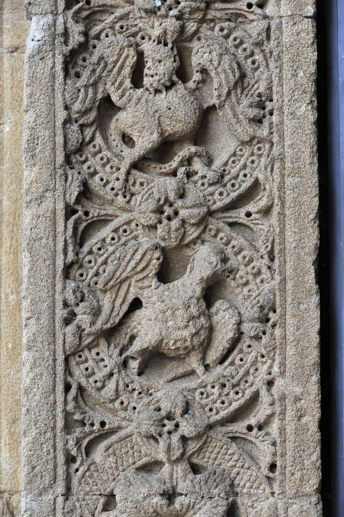 Charlieu - Grand portail nord du narthex (v. 1150) : décor du piédroit de gauche