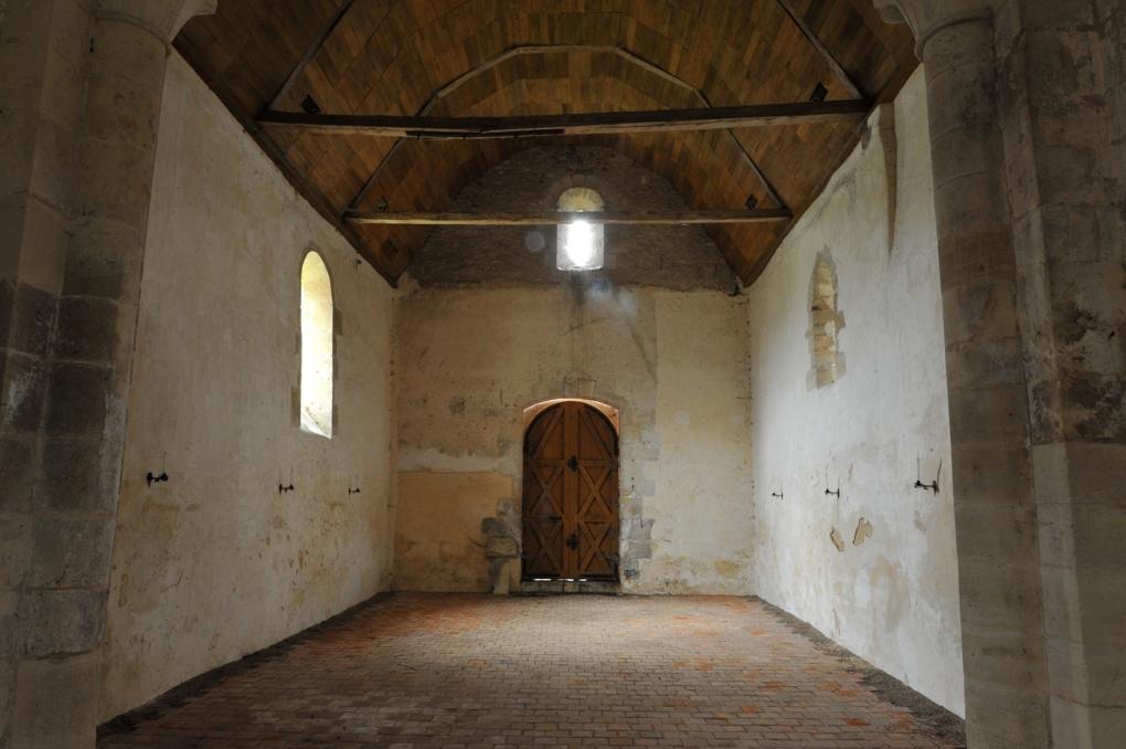 Chevenon - Eglise Saint-Laurent à Jaugenay (XIIe siècle) - La nef