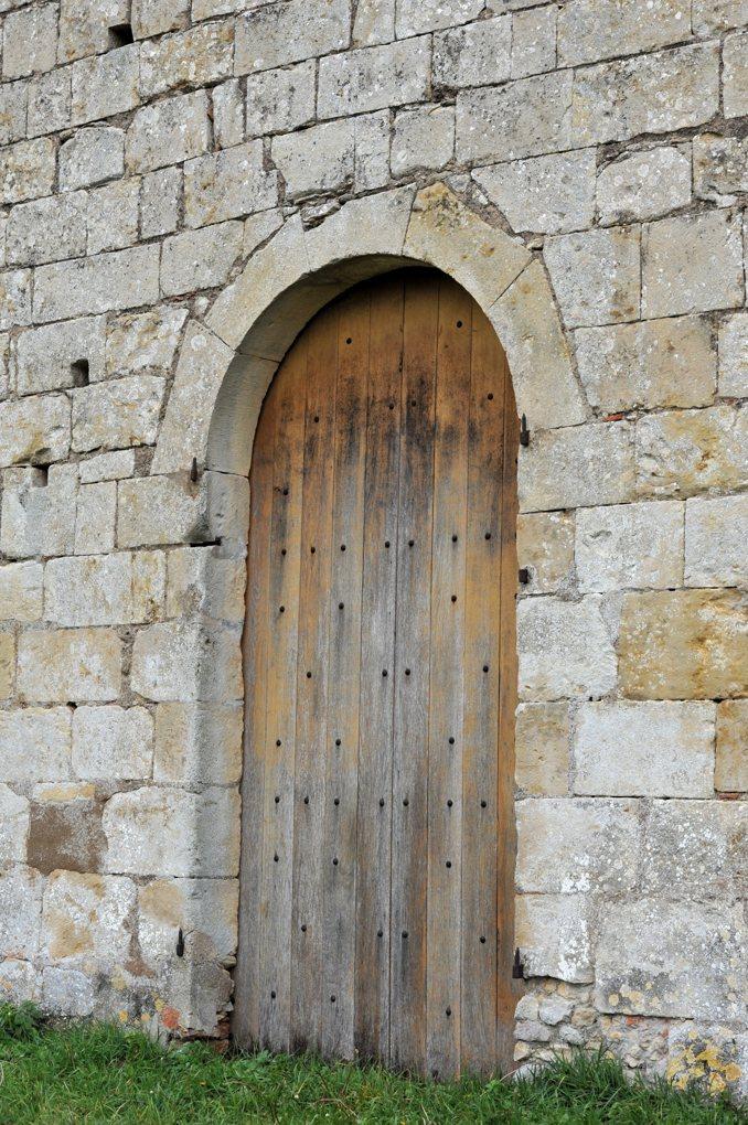 Chevenon - Eglise Saint-Laurent à Jaugenay (XIIe siècle) - Portail ouest