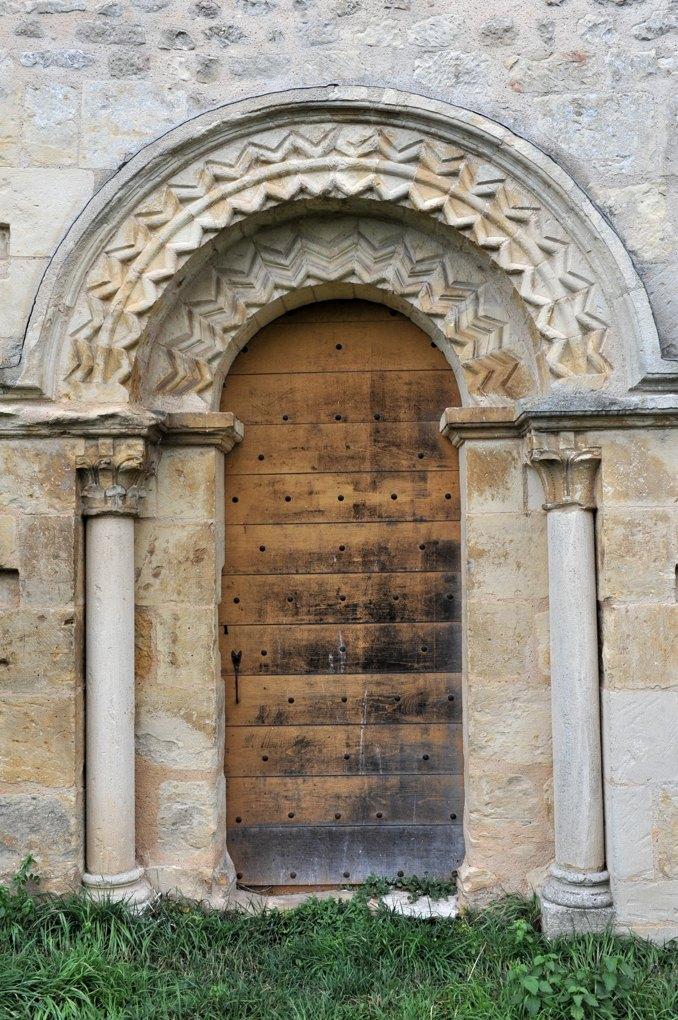 Chevenon - Eglise Saint-Laurent à Jaugenay (XIIe siècle) - Portail sud