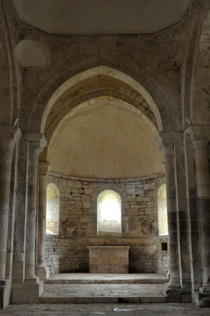 Chevenon - Eglise Saint-Laurent à Jaugenay (XIIe siècle) - Sanctuaire et abside