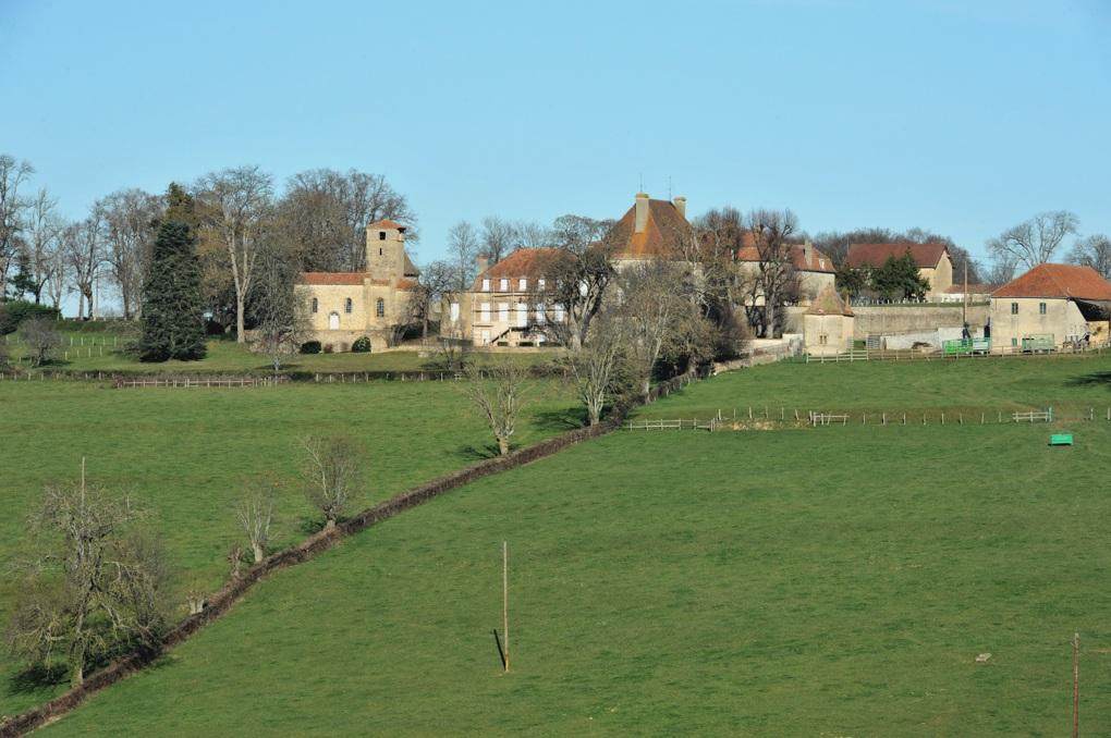 Saint-Julien-de-Jonzy - Ancien village de Jonzy et son église paroissiale aujourd'hui privée (XIIe et début XIIIe siècle)