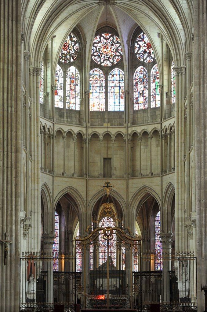 Auxerre - Cathédrale Saint-Etienne (XIe-XVIe siècle) : le choeur (v. 1215-1235)