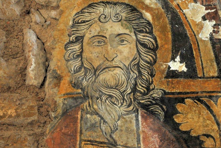 Martailly-lès-Brancion - Eglise Saint-Pierre de Brancion (XIIe siècle) : les fresques de l'abside (3e quart du XIIIe siècle) : saint Matthieu