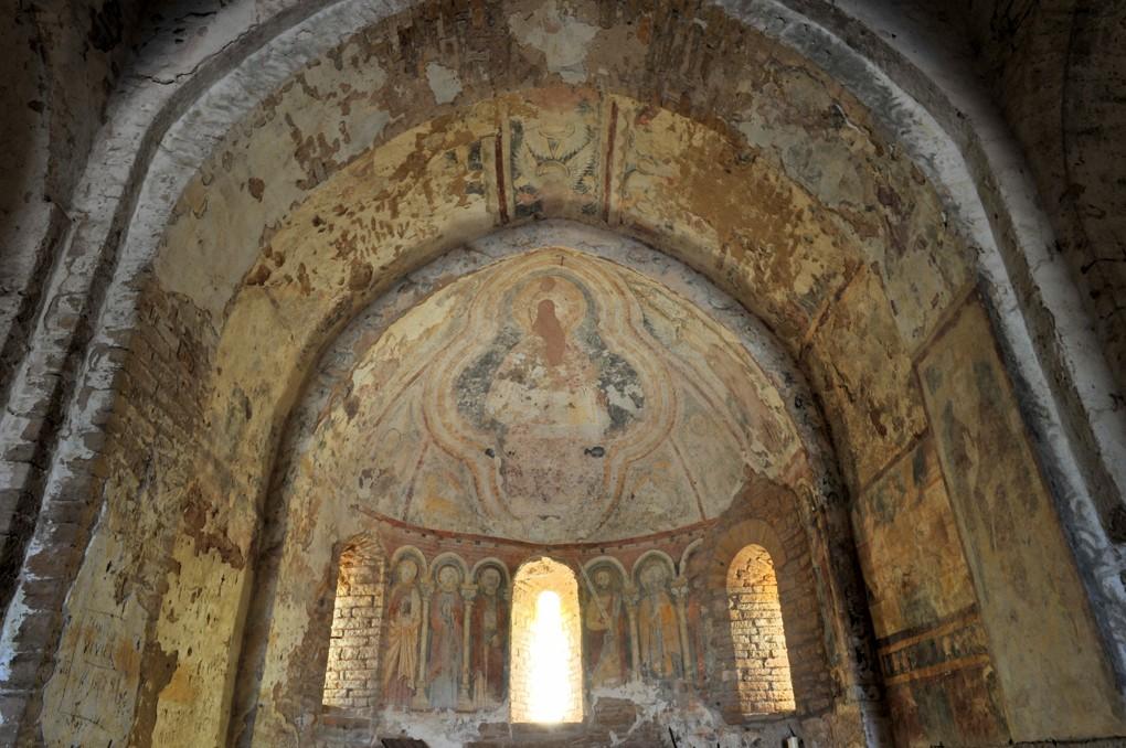 Martailly-lès-Brancion - Eglise Saint-Pierre de Brancion (XIIe siècle) : les fresques de l'abside