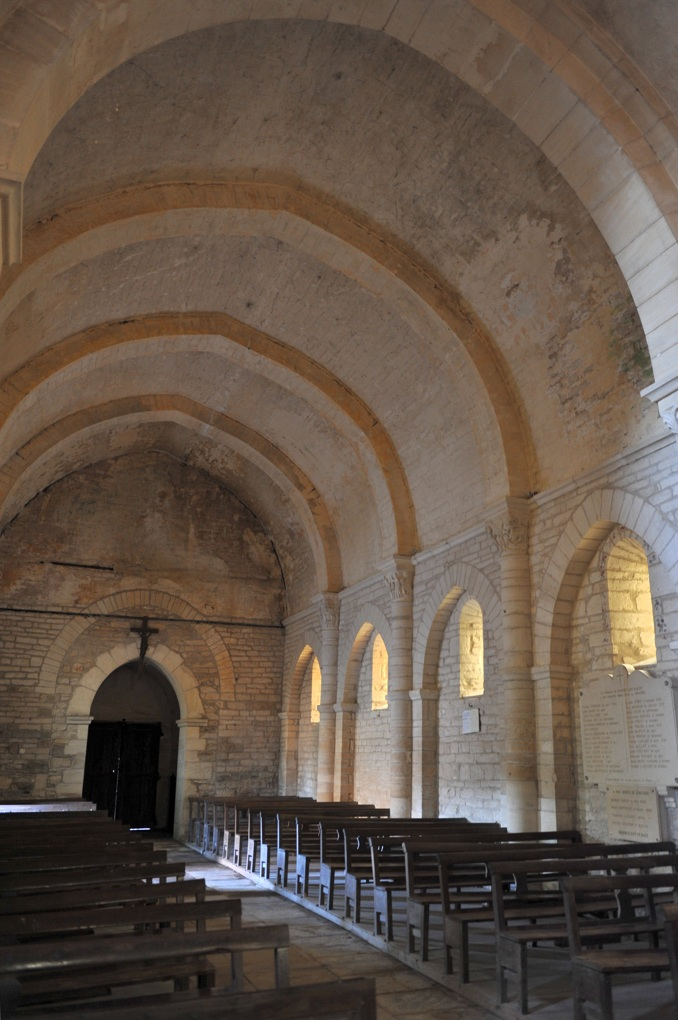 Chissey-lès-Mâcon - Eglise Saint-Pierre (XIIe siècle) - La nef