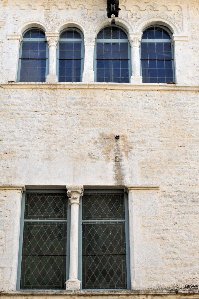 Cluny - Maison romane : baie à claire-voie (XIIe siècle)