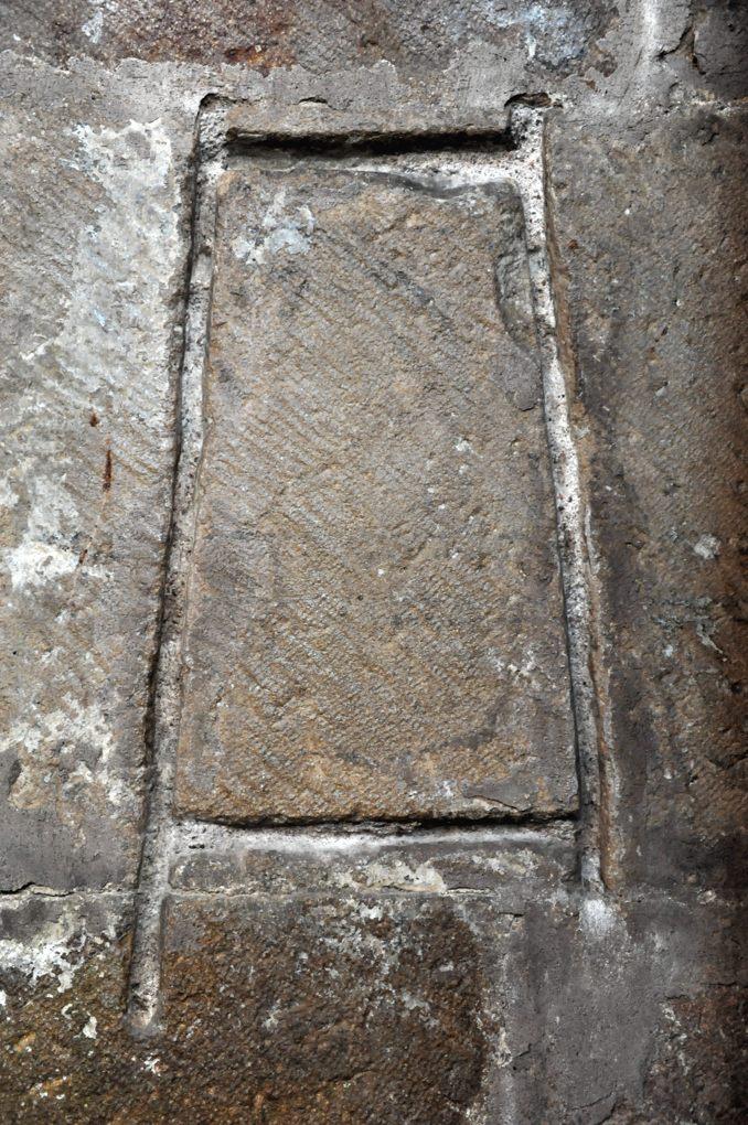Cluny - Eglise Notre-Dame (XIIIe siècle) - étalon de la tuile mâconnaise, bas-côté sud