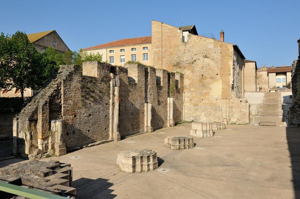 Cluny - Abbaye Saint-Pierre-et-Saint-Paul - Vestiges du narthex (1135-v. 1220)