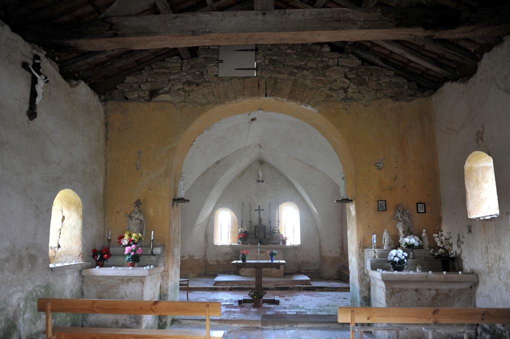 Dyo - Chapelle de la Trinité au hameau de Saint-Prix