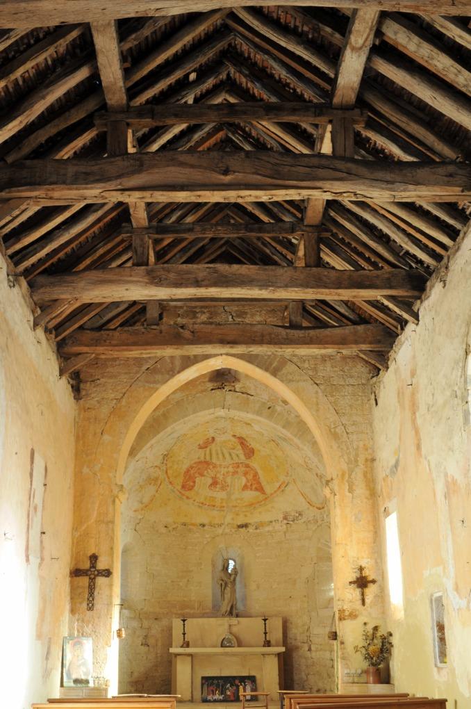 Chissey-lès-Mâcon - Hameau de Lys - Eglise Notre-Dame (1ère moitié du XIIe siècle) - Vue intérieure