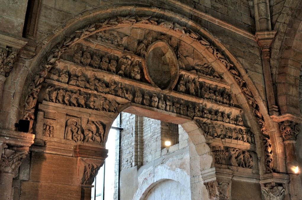 Mâcon - Vieux-Saint-Vincent : le portail (v. 1120)
