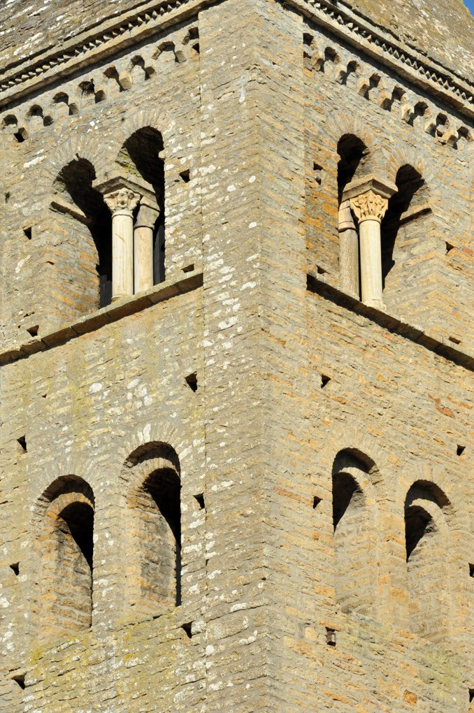 Mazille - Eglise Saint-Blaise (XIIe siècle) : le clocher