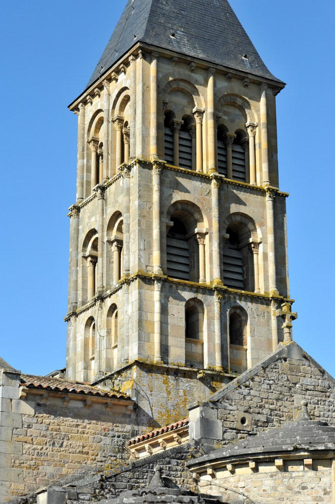 Saint-Laurent-en-Brionnais - Eglise Saint-Laurent (XIIe siècle - Le clocher