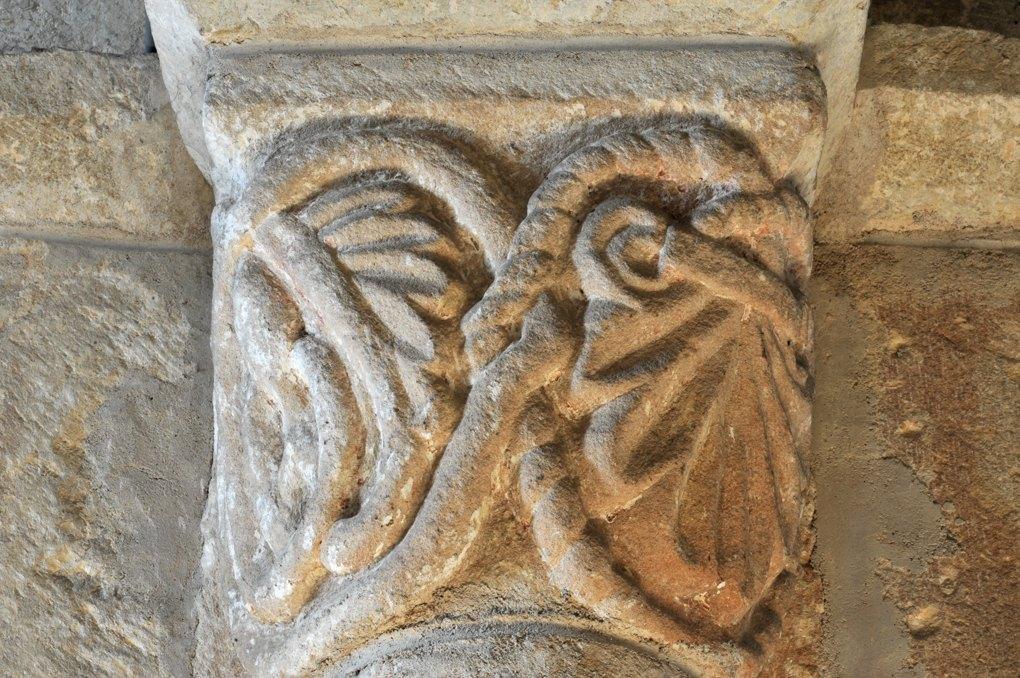 Saint-Laurent-en-Brionnais - Eglise Saint-Laurent (XIIe siècle - Chapiteau décoratif