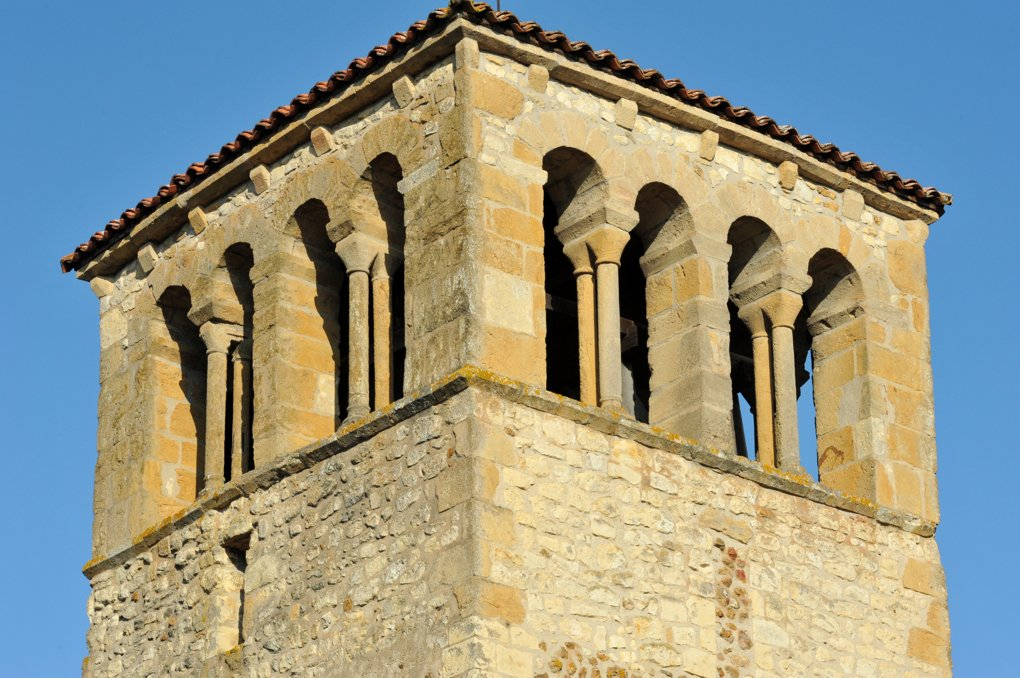 Saint-Martin-du-Lac - Eglise saint-Martin (XIIe siècle) - Le clocher