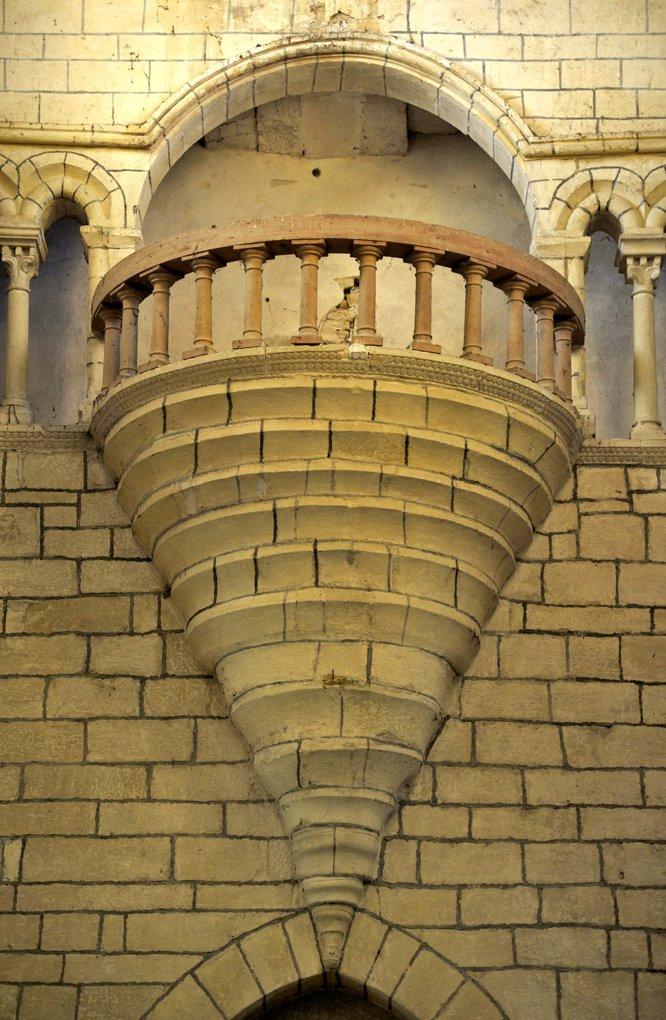 Semur-en-Brionnais - Ancienne collégiale Saint-Hilaire (XIIe siècle) - Tribune en encorbellement