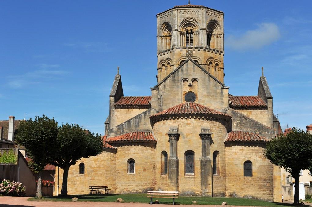 Semur-en-Brionnais - Ancienne collégiale Saint-Hilaire (XIIe siècle) - Vue depuis le chevet