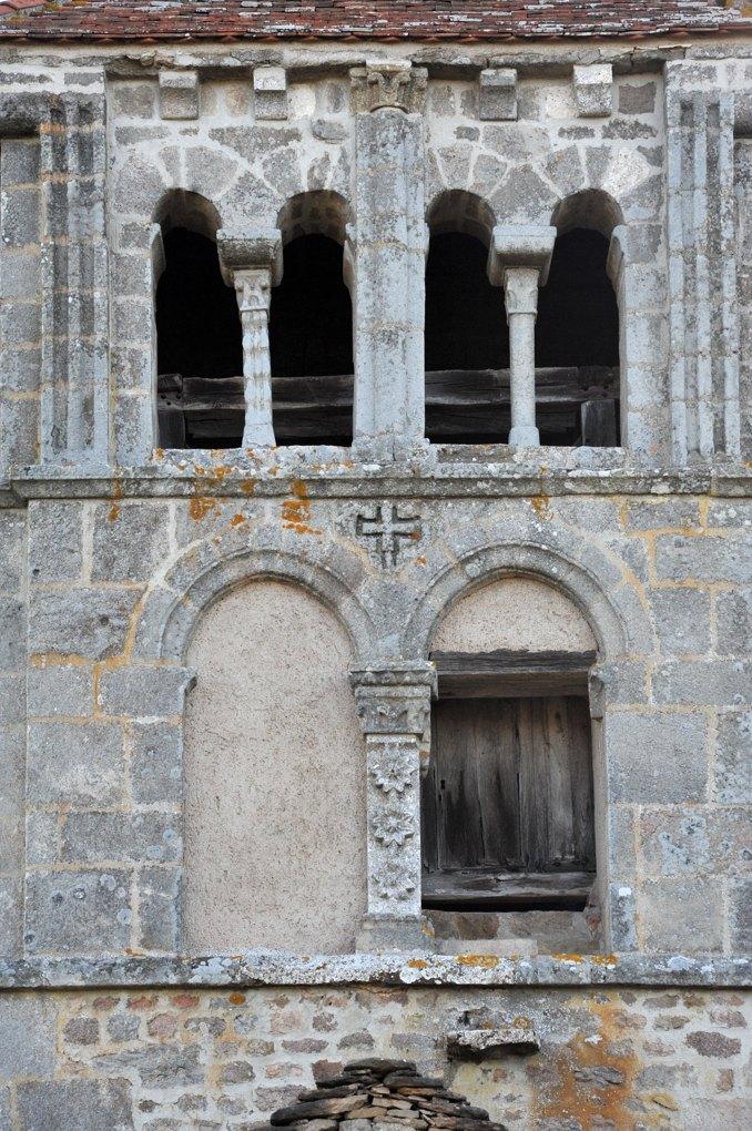 Suin - Eglise Notre-Dame-de-l'Assomption (XIIe siècle) - Le clocher