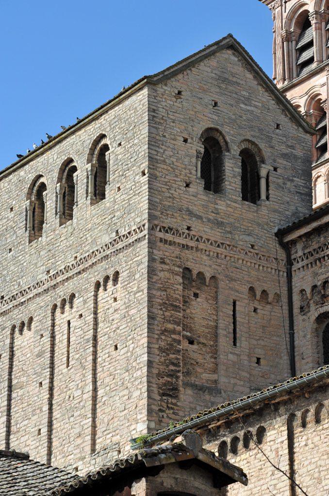 Tournus - Abbaye Saint-Philibert : avant-nef
