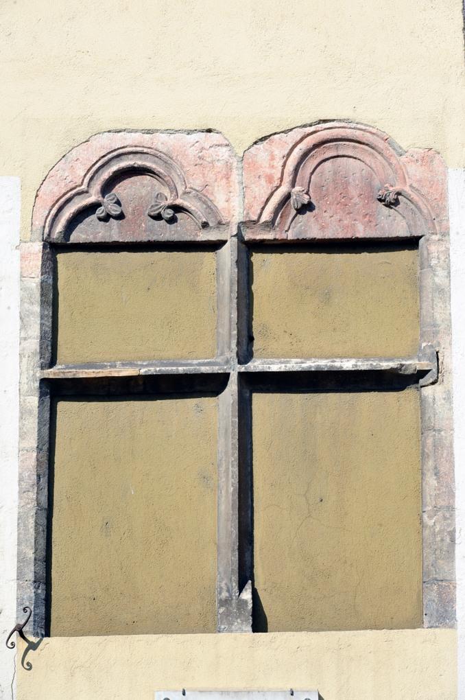 Tournus - Maison médiévale : baie gothique