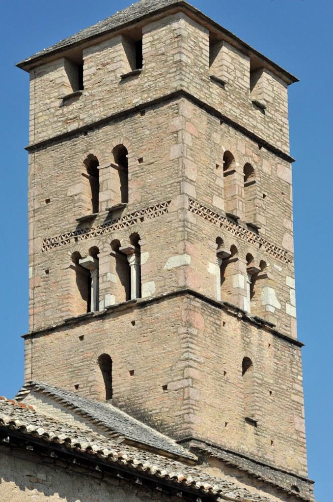 Uchizy - Eglise Saint-Pierre (v. 1100) : le clocher